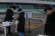 多名英国留学生回国后确诊!香港、新加坡禁止转机!