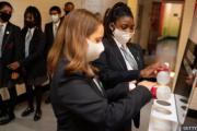 英国突发新冠病毒变异 恐影响明年初开学计划