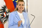 陷论文抄袭丑闻 奥地利劳工部长宣布辞职